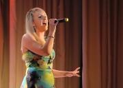 Анастасия Гринченко (студия «Мьюзик-коктейль», рук. Виктория Арнгольд) исполняет песню «Мама»
