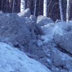 В Барышево мужчину задавило снежной глыбой