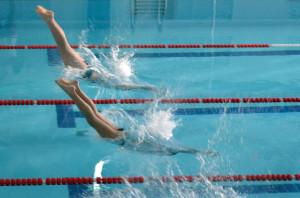 На детских соревнованиях по плаванию