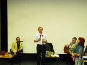 Ценители поэзии тепло приняли кольцовского мэра.