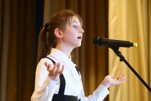 Кристина Кантюкова всегда артистично читает со сцены прозу и стихи