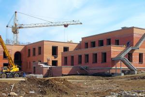 В мае завершится первый этап строительства.