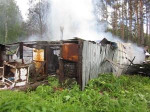Причина пожара в Новоборске - неосторожное обращение с огнем неустановленного лица.