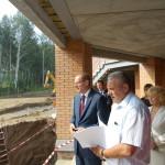 Губернатор побывал на стройке в Кольцово