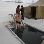 Спасатели провели в школах Кольцово уроки безопасности на льду