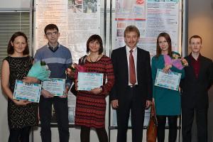 Лауреаты премии имени Льва Сандахчиева и мэр наукограда Николай Красников (третий справа).
