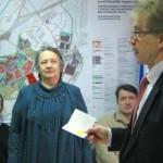 В Кольцово вручили памятные медали двум блокадницам