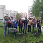 В Кольцово высадили яблоневый сад