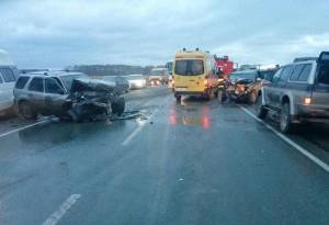 ДТП произошло на 11-м километре автодороги Академгородок-Кольцово.