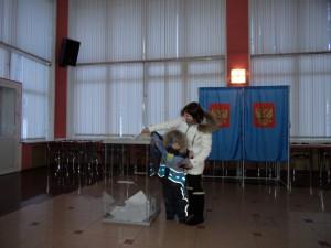 На кольцовском избирательном участке в день выборов.