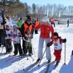 В Кольцово прошел фестиваль детского лыжного спорта и спортивных семей