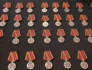 Каждые десять лет ветеранам вручают юбилейные медали.