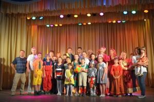 Театральные коллективы Кольцово передали мяч артековцам из других городов.