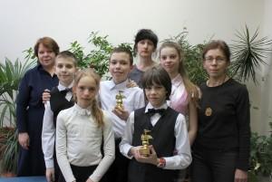 """Юные пианисты и педагоги ДШИ Кольцово на """"Волшебных нотках""""."""