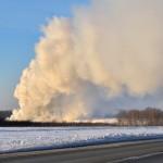 На полигоне ТБО возник крупный очаг возгорания