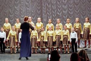 Младший хор Кольцовской ДШИ на конкурсе «Поющее детство-2017».
