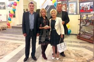 Юрий и Виолетта Бондарь с детьми.