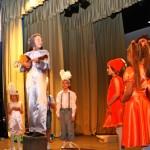 На фестивале семейных театров в Кольцово победил коллектив «Взявшись за руки»