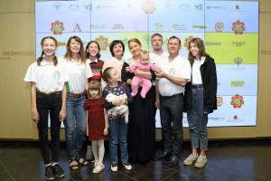 Кольцовские актеры с президентом фестиваля Ольгой Будиной.