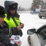 У автомобилистов Кольцово проверили наличие детских кресел