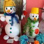45 веселых снеговиков сделали кольцовцы на конкурс