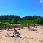 В жаркие выходные усилят меры безопасности на озере в парке Кольцово