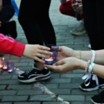 Кольцовцы зажгли свечи памяти: фоторепортаж