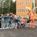 LINGUANEO:  Кольцово познакомили с мультилингвальным детским садом-школой