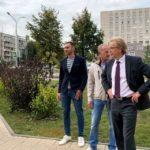 В Кольцово дополнительно озеленяют общественные пространства в центре