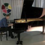 Кольцовский меценат подарил школе искусств рояль
